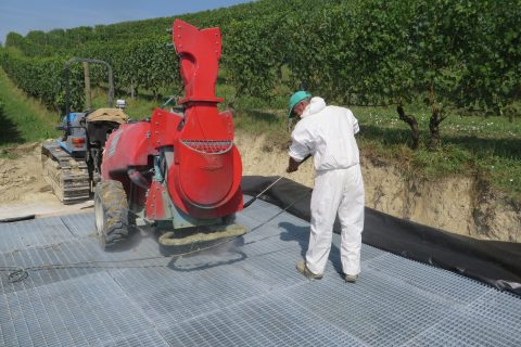 Cleaning of sprayer