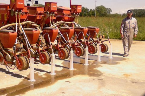 Nozzle flow rate (sowing machine)